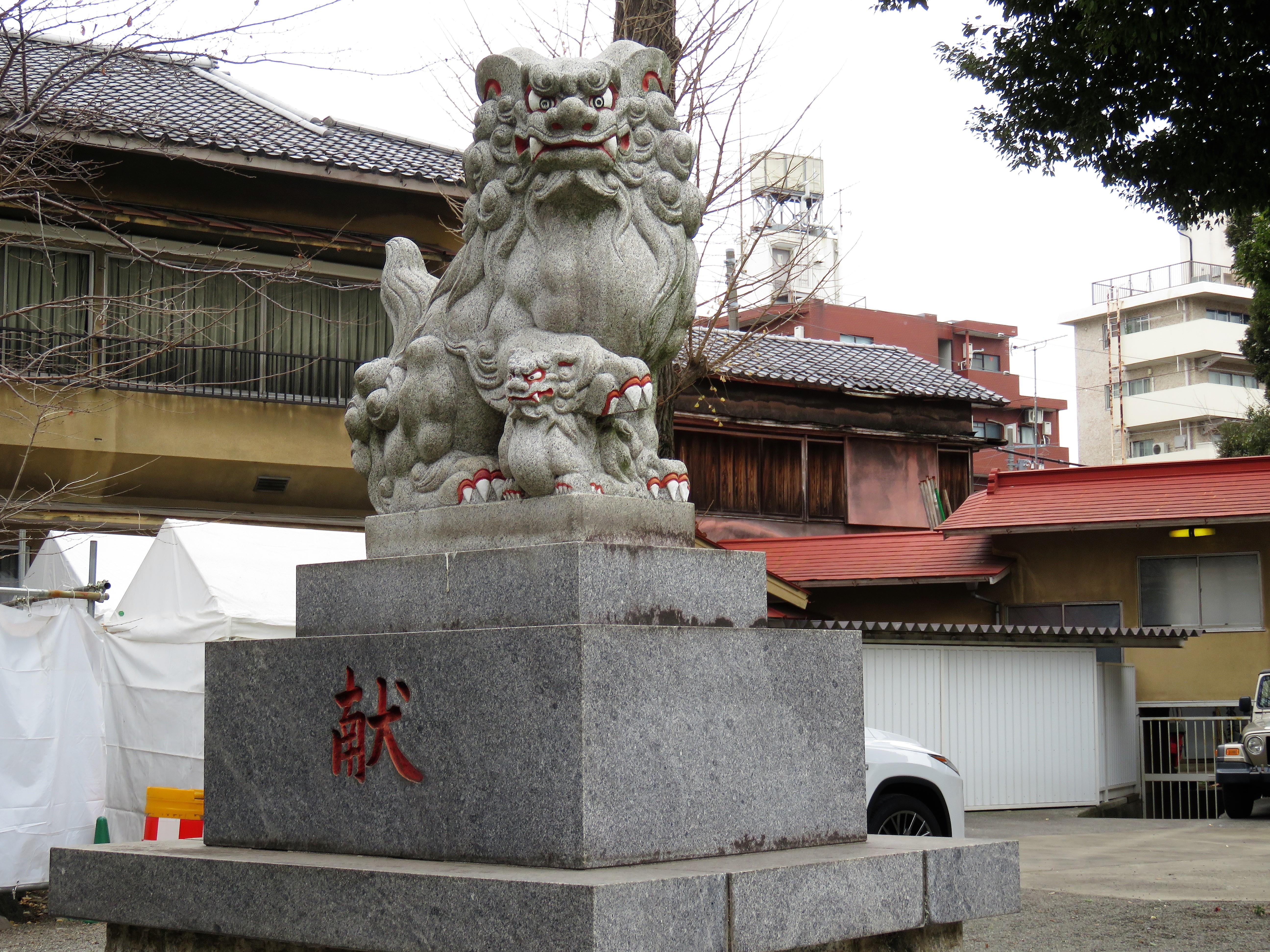 荻窪白山神社狛犬左