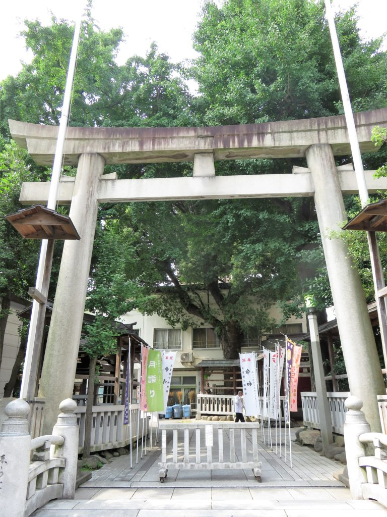 鳥越神社鳥居