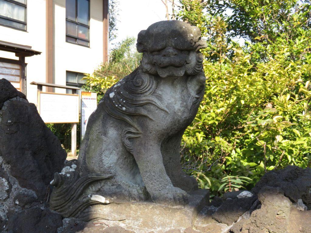 八幡神社狛犬2