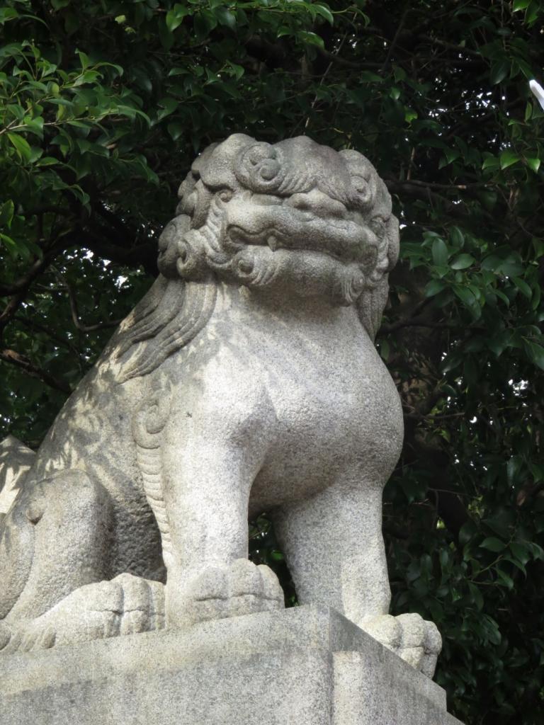 新宿諏訪神社狛犬2