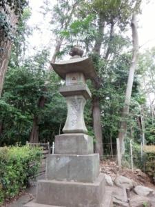 井草八幡宮石灯籠