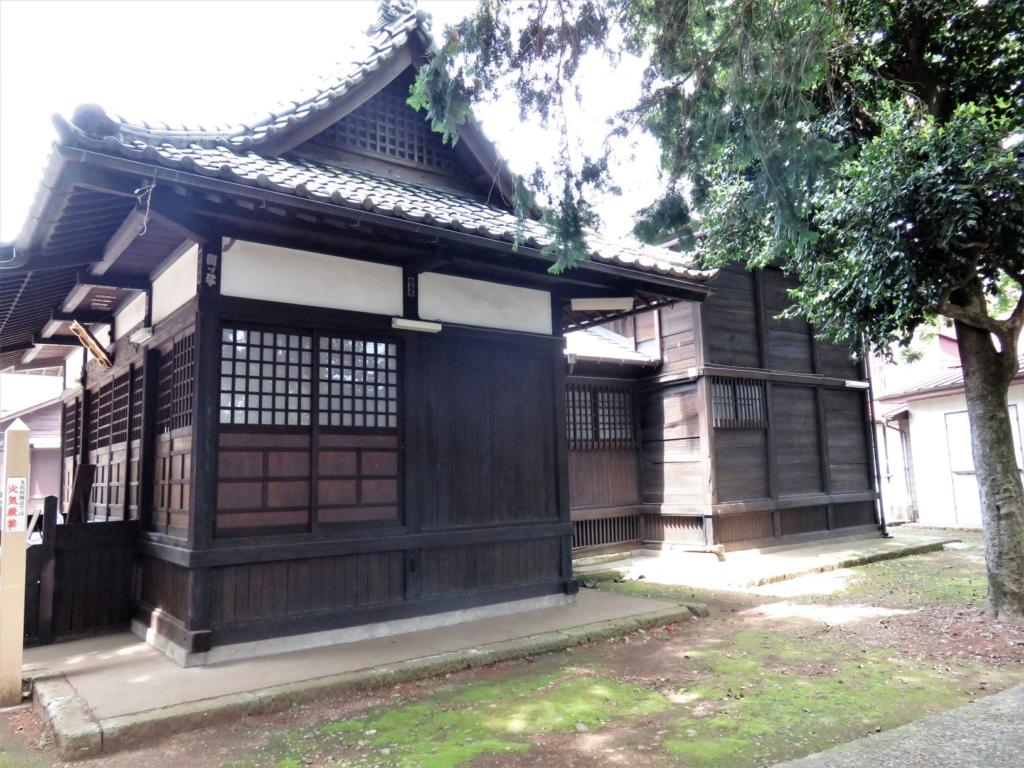 中村八幡神社本殿