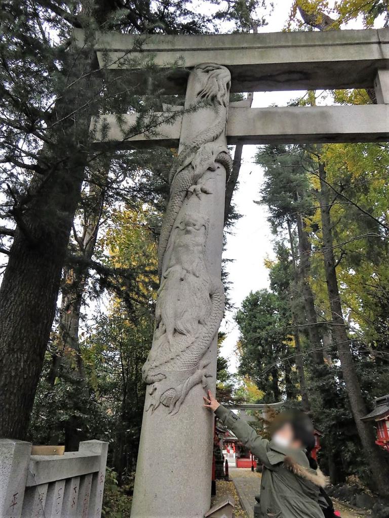 馬橋稲荷神社双竜鳥居昇龍