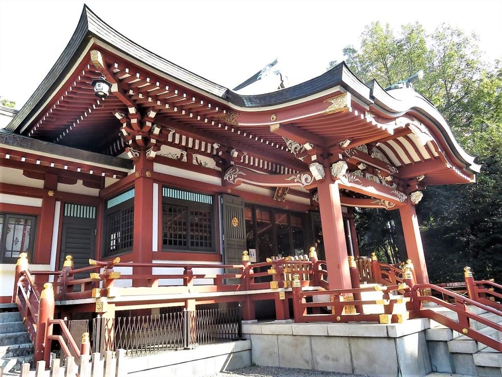 武蔵野八幡宮本殿横