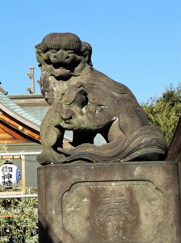 沼袋氷川神社狛犬右