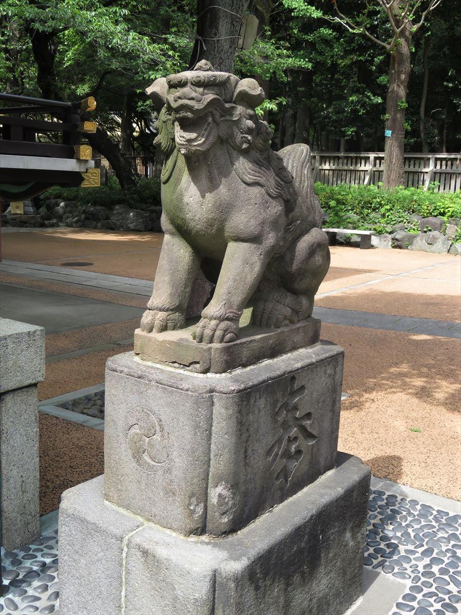 熊野神社狛犬左