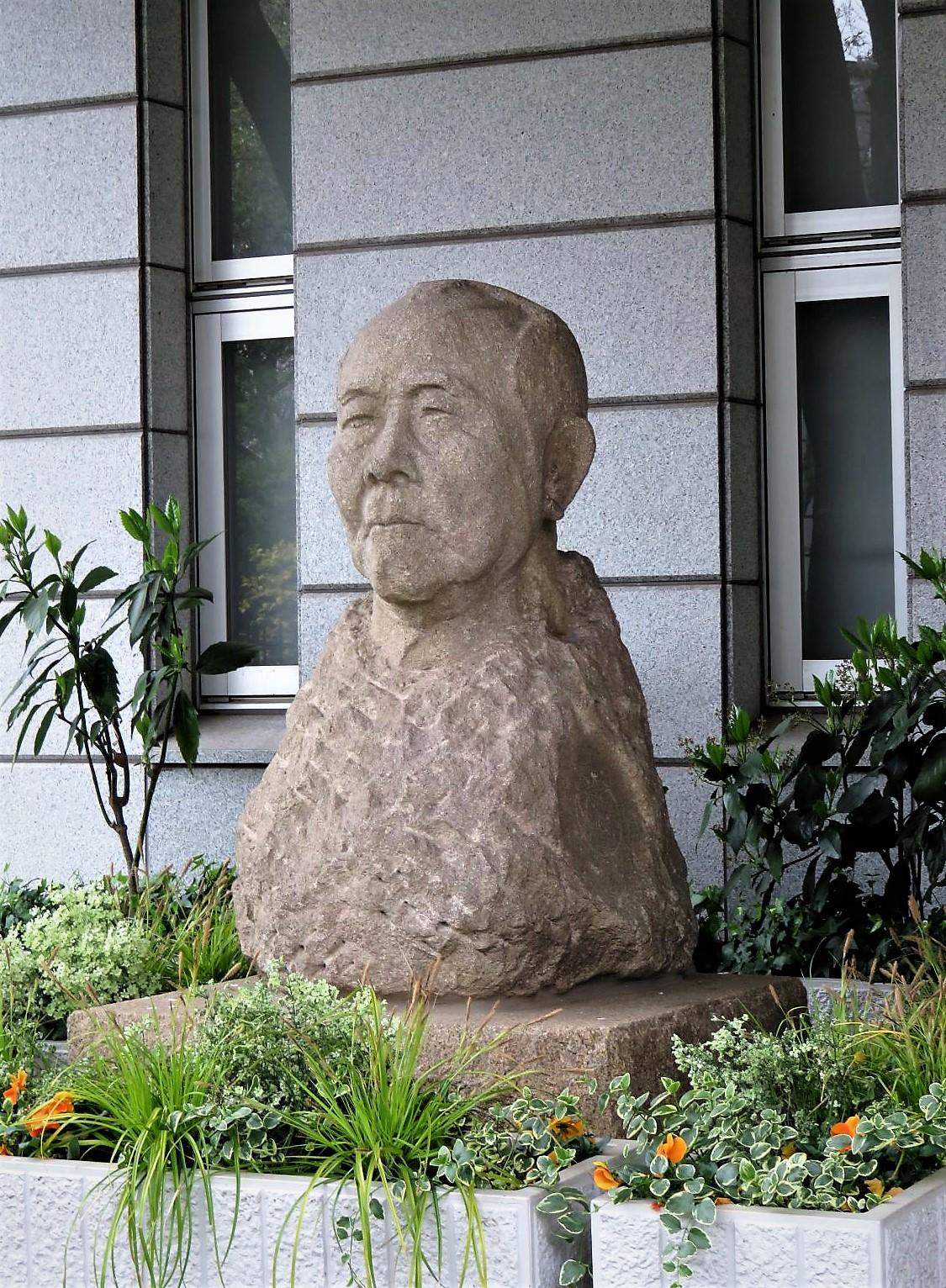 渋沢栄一胸像