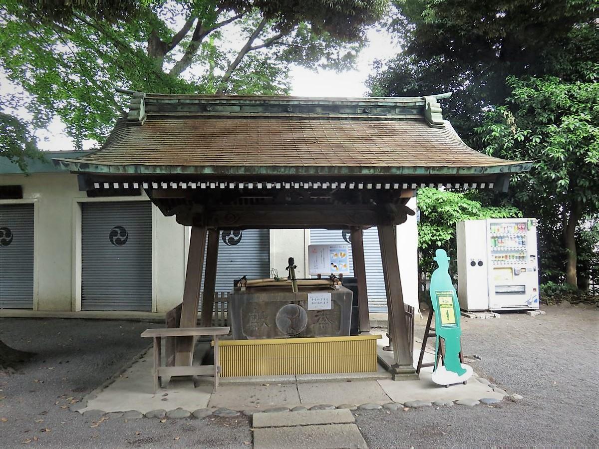 七社神社手水舎