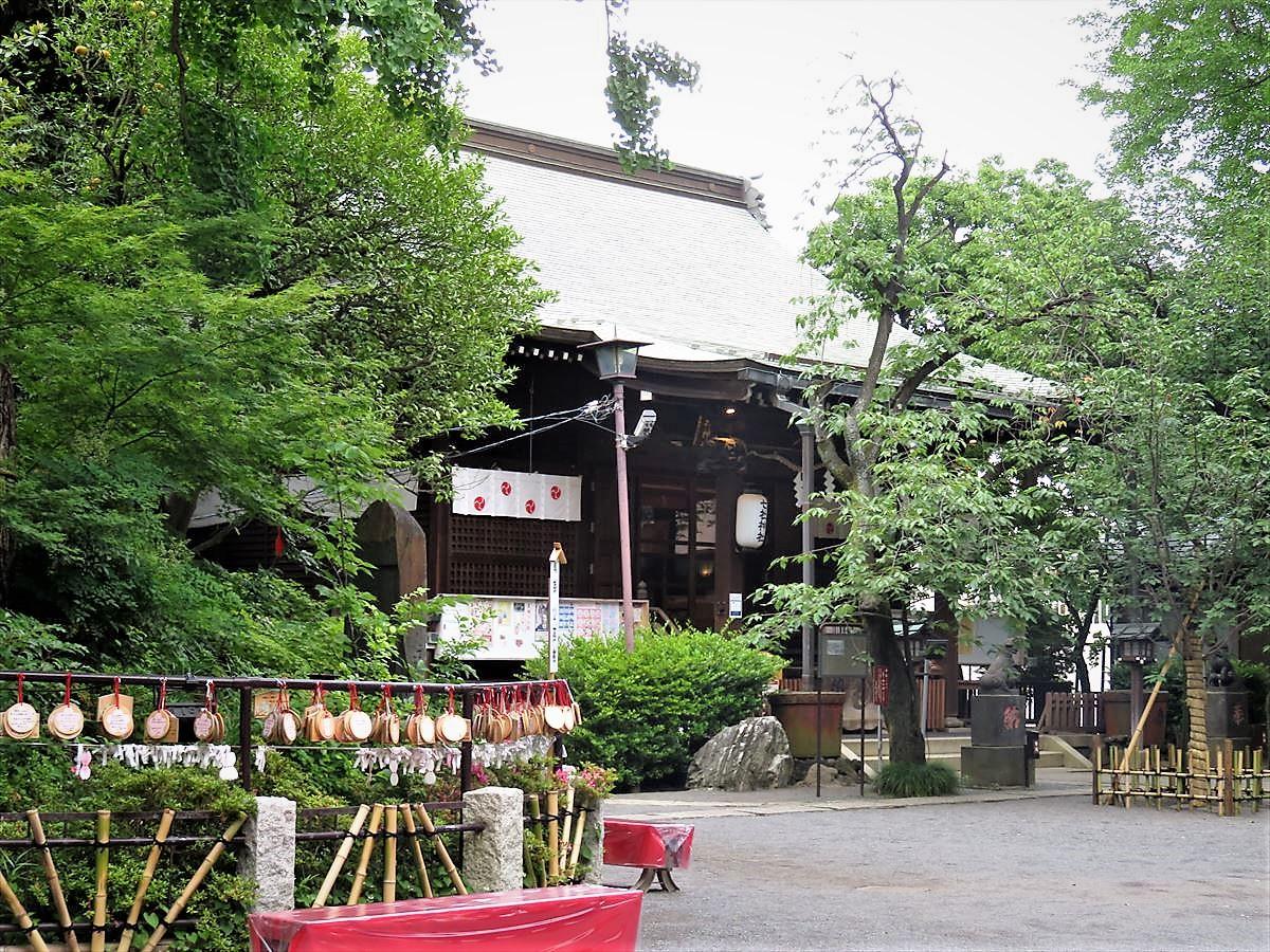 七社神社拝殿
